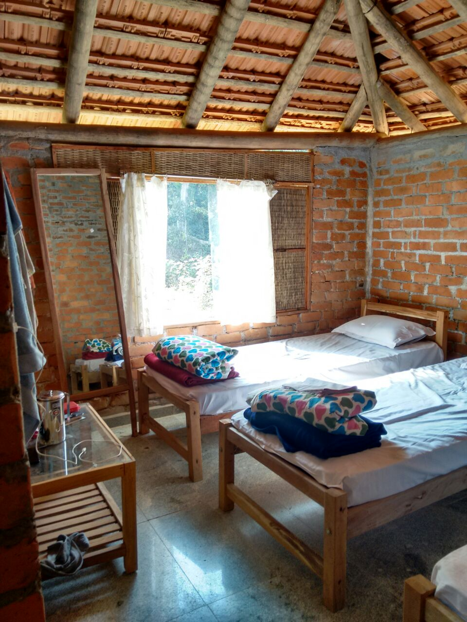 DOUBLE BEDROOM,CROSSHILLHOMESTAY,HOMESTAYS IN CHIKMAGALORE
